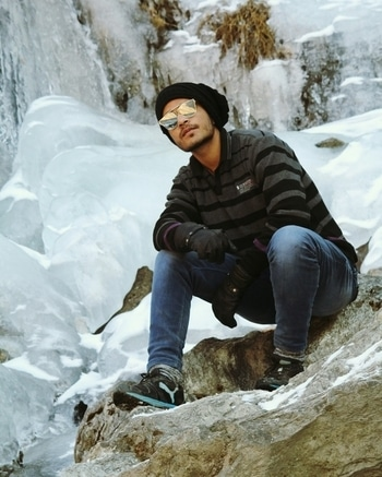 #throwbackdecember #manali #hiking #solangvalley #snow-covered #love-photography #adventure #ritzyroposo