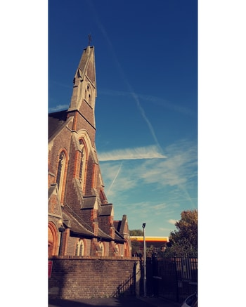 #weather #sunny #cloudy #clouds #sunnyday #rainning #shine #dark #gold #yellow #tree #leaf #mixweather #slow #windy #cold #hot #church #old #timing #click #summer #green #beautiful #love #weather #fresh #air #london #londonweather