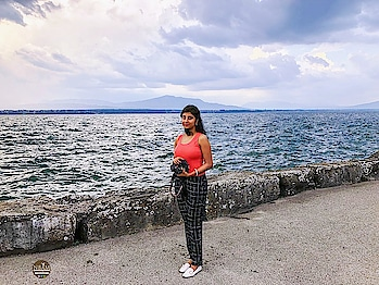 😍Take me back to the lake, puhleezzzzz!😍 A beautiful #throwback  to my last #summervacation  atNyon, #switzerland  ❤❤ Mr. Husband captured this shot of minewhile enjoying an evening walk along the lake ☺ The lake Geneva is so beautiful, a must-visit place for sure👌🌸😍 #anamikachattopadhyaya #nbamtravels #naturalbeautyandmakeup  . . . . . . . . . . . . . . . . . .    #tbthursday #backintheday #lakeview  #roposotravel #lakegeneva #roposofashionblogger  #switzerlanddiaries  #roposoblogger  #cloudysky #lake  #traveladdict #travelgram #lookbook  #travelstoke  #everydaymakeup  #lookgoodfeelgood  #londonfashionblogger #beautyjunkie #fashionlove  #summerlook  #summerfashion  #casualwear  #lifestyleblog  #nbamblog