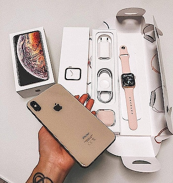 iPhone XS Max & Apple Watch Series 4❤️ . What do you think about this combination ❓ . Comment below 👇  Tag your Friends! 💯 . Credits: @diana_dryn . Follow us for more : @provcases📱 . #iphonex #iphone8 #iphone8plus #iphoneaccessories #smartphone #smartphoneaccessories #iphonecamera #iphonecase #ios12 #iphonese #iphonemurah #ios11 #oneplus6 #oneplus #iphoneshot #iphonepic #iphoneology #iphonedaily #iphoneographer #loveit #lovethis #lovethat #goals #likeit #phone #phones #phonecase