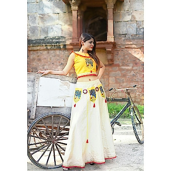 #ootd #tbt #yellow #khadi #india-proud #pure #madeinindia #handpainted #fashiondesigner