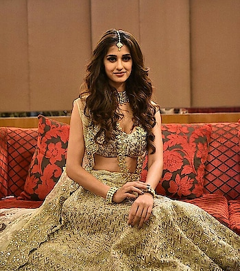 #disha #dishapatani #dishapatanicutepics #weddingcollections #celebfashion #celebritystylist #celebs
