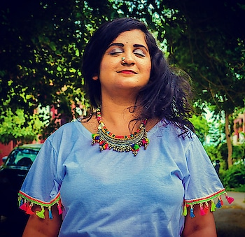 This is how I shake off all my detractors 😂  JK. This is what peace looks like. . . . . #boho  #bohochic  #accessorieslove  #nosering  #nosepins  #necklace  #peace  #bliss  #mdblogs  #hairgoals  #fashionblogger  #blogger  #chandigarhfashionblogger  #mumbaifashionblogger  #delhifashionblogger  #bangalorefashionblogger  #chic  #styles  #outfit  #outfitinspo  #influencer  #indianfashionblogger