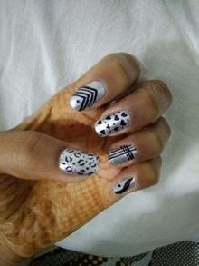 Silver nailart