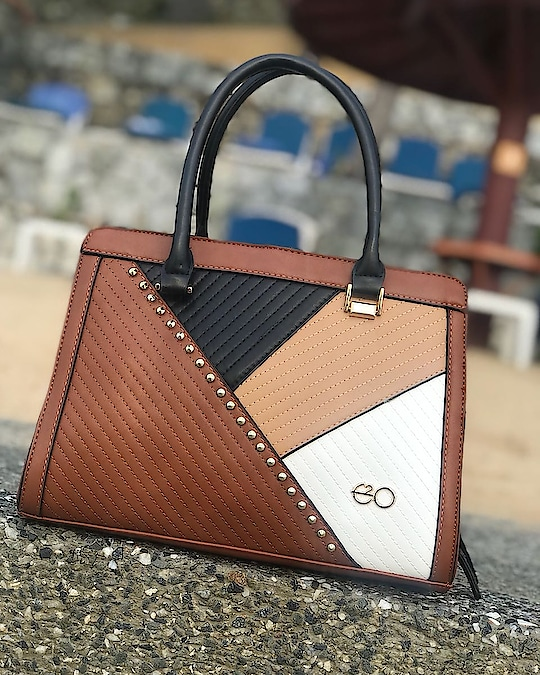 A handbag that's elegantly designed to sophisticately style you! #e2ofashion