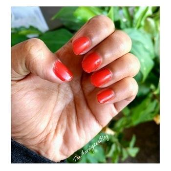 Some Pretty Nail Polish to get through Monday😌 #manicure #nailart #nailfie #notd #nailarts #nailsoftheday #nail #nailsdone #nailpolish #nailsart #nails💅 #nailpaint #nailvarnish #bloggerindia #indianreviewblogger #indianblogger #beautyblogger #blogger #prfriendly #bloggerstuff #indianbeautyblogger #nailaddict #nailartaddict #nailpolishaddict #polishgirl #love #mint  #iphone7 #mintynails #mint