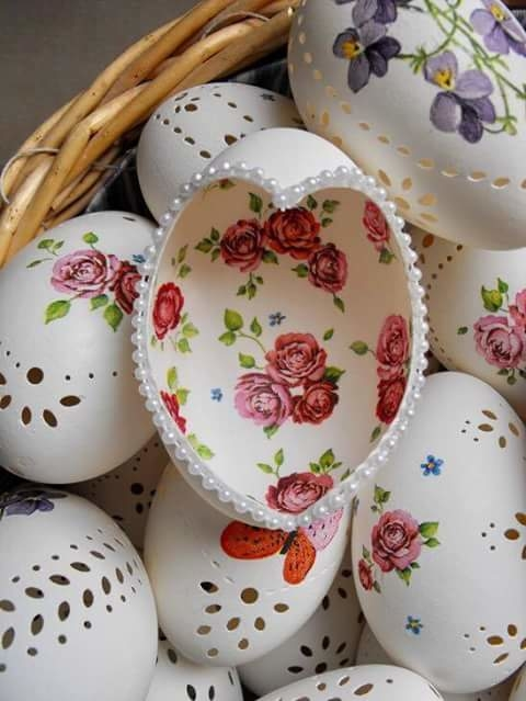 egg shells carving.. #awesomelook #creativespace #home-decor #homemade #decorideas #carvings #creativeminds