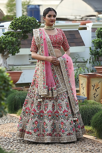 Experience unmistakable euphoria with this hand crafted bridal lehenga from samyakk's extravagant wedding collection. Any query kindly watsapp us at 7829928490. For more collection visit our website www.samyakk.com  #samyakk #lehenga #lehengacholi #lehengas #indiancouture #indiandesigner #indianwedding #celebrationtime #ethnic #ethnicwear #weddingoutfit #weddingdress #indianwedding #weddinginvitations #indianblogger #indianbride #weddinginspiration #weddinginvitations #model #samyakkclothing #bangalore #fashion #redlehenga #fashionshow #showstopper #bespoke #worldwide #samyakkdesign #samyakkclothing #ootd