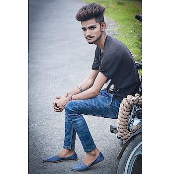 #fashion_clothes #modernstyle #2018status #attitudematters #daaru_badnaam #tshirtdress #sexy-look #my-art #camera #dslrphotography #shot #black-edition
