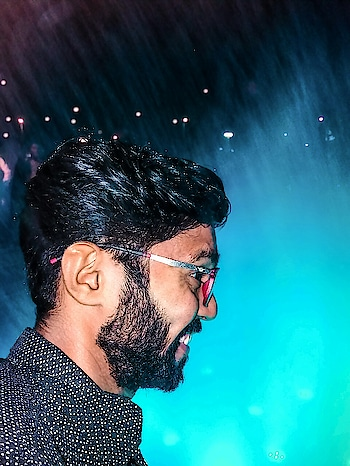 Ahmedabad#flowershow#waterfounten#waterlight#Color#beautiful show#photograph#NYCclik#smj5#focus#capture #moment#photo#editing#followme#instacool#yummy