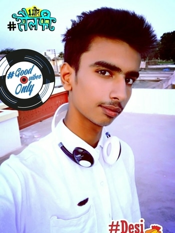 #casual-wear  #headphones  #whiteshirt #mywhiteshirt #loveme #coollook #model #swag #swag_look #followme  #followmeonroposo  #thanksroposo #1moreselfie #desiswag #goodvibesonly #white