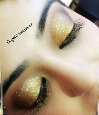 golden smoky eye....😘 #makeupartistindia # #smokyeyemakeup  #udaipur  #bridalmakeupartist #freelancermakeupartist #indianbride #mua #maccosmetics