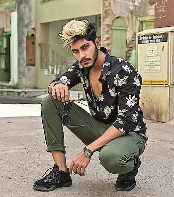 My kind of Floral Summer Style ! What's your's ? . . Outfit from - @kollars.2018 . . Shot by - @thedaydreamstudio . . Hair - @hairfactorysurat . . #TSDFAM  #summercasual  #summerstyle  #menscasual  #menswear #casual #summer #black #olive #style #fashion #influencer  #fashioninfluencer  #trend #menstrend #menwithstreetstyle  #haircolour #paleyellow #suratinfluencer  #suratfashion #indianblogger  #indianfashionblogger #indianinfluencer  #indianfashioninfluencer