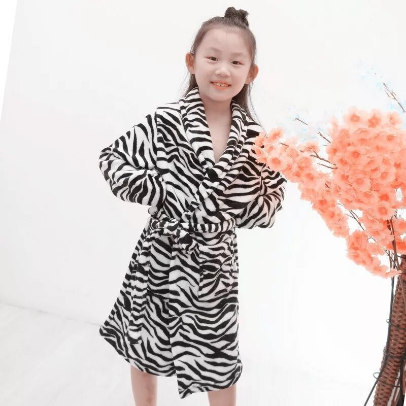 Item name : kids bathrobe   Age group : 5 to 9 years  Weight : 1kg      Rate:- 900 Shipping free