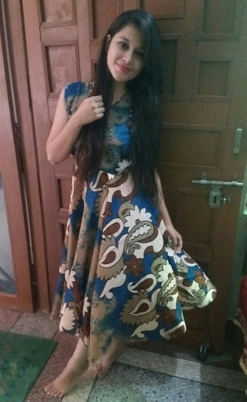 Midi Dress is anothr Top Favourite n easy to wear Dress Style.They hv nyc lngth where they r neither too long lyk Maxi Dresses nor too short lyk Mini Dresses.It's perfct foh almost evry occassion.You don't hv to worry abt whether u r dressed appropriately.They r usually really cmfortable😊 #Yesterday #OOTN #MyDiwaliOutfit #MidiDRESSByMe