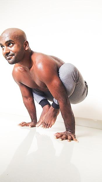 Kakasana  . . . . . #yoga #yogapose #armbalance #armbalanceaddict #yogadaily #yogawithsamrat #yogastrong