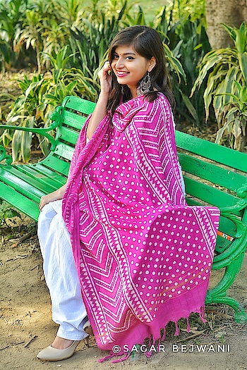 Still can't get over this Magenta colored Dabu Printed Dupatta from @unnatisilks To know more about Unnati Silks and Dabu Prints visit my blog www.beingclassywithtanya blogpost.in 📷👉 @sagar.bejwani @a.rare.fixer . . . . . . . . . #TanyaAnand #BeingClassyWithTanya #unnatisilks #handlooms #iwearhandloom #handloomswag #Fashion #FashionBlogger #IndianFashionBlogger #IndianBlogger #DabuPrint #Dabu #MakeInIndia #Rajasthani #Dupatta #IndianInfluencer #IndianWear #IndianFashion #FashionIndia #Magenta #FashionBloggersOfIndia #DelhiInfluencer #DelhiBlogger #Plixxo #PlixxoInsider #PopXo #TheBNBMag #TheMadInfluence #MyMagicPinDelhi