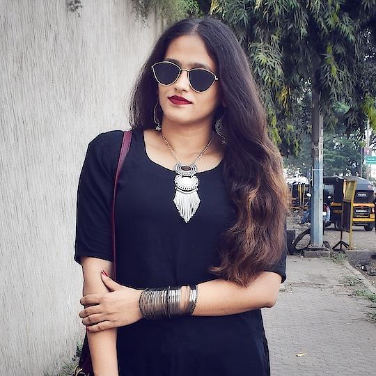 black is pyaar ❤ . . . . . #fashionbloggersofindia #indianblogger #indianblog #fashionbloggerindia #fashionista #mumbaiblogger #mumbaifashionblogger #ootd #roposoblogger #styleblogger #streetstyleblogger #bohostyle #bohofashion #silveraccessories #sunglasses #redlips #messyhair #oxidisedjewellery #bangles #roposogal  #outfitinspiration #acquiringanaqua