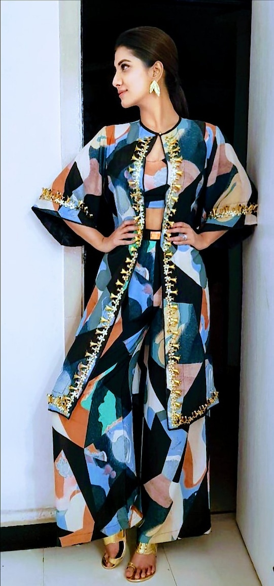 How gorgeous @rukminimaitra looks in #fragmentsbynityabajaj  Who: @rukminimaitra  Wearing : @labelnityabajaj  Collection: #fragments #Springsummer2018  Styled by : @nehagandhi90  Thank you for this stunner @nehagandhi90 @rukmini_fc