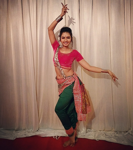 Pre-performance.... #event #meerajoshi #actress #performer #dancer #lifeofadancer #poser #danceislife #happiness #passion #dancerforlife #model #performance