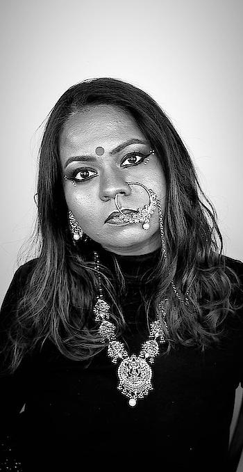 On the 7th day of Navratri, Goddess Kalratri is worshipped. She is regarded to be one of the many destructive forms of Goddess Shakti which includes Kali, Mahakali, Bhadrakali, Bhairavi, Mrityu, Rudrani, Chamunda, Chandi and Durga  #theleiavblog #youtuber #beautyblogger #indianyoutuber #beautyvlogger #singaporebeautyblog #singaporebeautyblogger #clozette #theleiav #indianbeautyblogger #indianblogger #fashionblogger #navratri #navratri2018