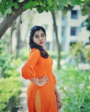 Happy Sunday!! #kolkataphotographer #fashionblogger #sundayfunday #sunday #orange #instagood #instablogger #soroposo #picoftheday #iger #kolkata #kolkatagram #kolkatablogger #youtube #indiangirl #pout #likeforlikes #follow4like #followme #follow #shapoorjipallonji #ssundayywe  📸 - @ayanmitra2017