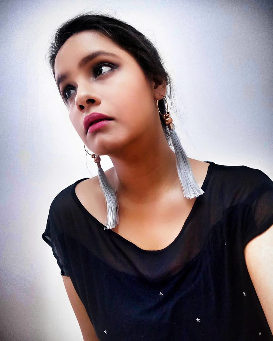 who else love tassel earrings 😍😍 . . #fashion #thestylecheck #delhiblogger #trendy #accessories
