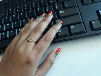 hit like 🖒🖒🖒yummyyy strawberry on ma nails 😚🍓🍓🍓#nailart  #nailartwow #nailartblogger  #fashiondiaries #love #roposodiaries #new-style #ropo-lov