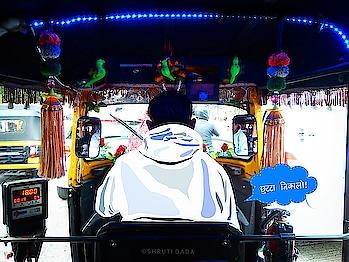Uncle bole - Chutta Nikalke Rakho!  Just look at the interior of the rikshaw!  PC and Art by @shruti.dada Mich toh 😂  #autorickshaw #india #tuktuk #rickshaw #auto #pune #streetphotography #igers #travel #threewheeler #graphic #idea #creative #travelphotography #dog #indianphotography #ig #kalipili #autodriver #punewinter  #bhfyp