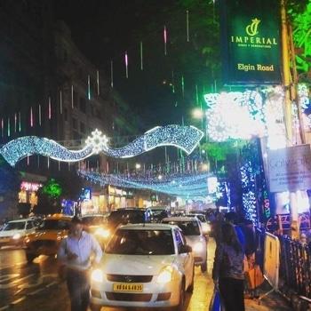 Park street on New Year  #kolkata #calcutta #india #street #streetphotography #photography #travel #traveller #travelling #indiaclicks #indiapictures #cntgiveitashot #natgeoindia #Natgeoyourshot #Lonelyplanet #love #christmas #newyear #2017
