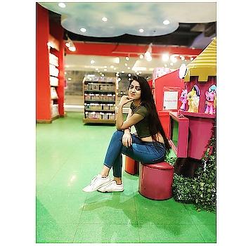 Life is short, and it is up to you to make it sweet 🍭 . . . . . . . . #BabesOfSBL #mastandharbour #amazon #lifestyle #reliance #fashionblogger #blog #stylediaries #indianfashionsquad #thespeakingportrait #OOTD #fashionstyle #fashionblogging #blogger #bloggerlife #styleblogger #lookbook #fashiontrend #roposo #roposobabe #POPxoDaily #bloggersofindia #SDMDaily #WFB #ThisIsNewLook #TheFashionistasDiary #myntrafashion