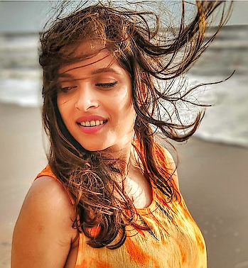 With the wind in my hair and the sand beneath my feet, I am one with nature, my spirit is free😇  #freespirit #windinmyhair #bliss #happiness #vacaygoals #lifegoals #beachlover #vitaminsea #happyme #tuesdaythoughts