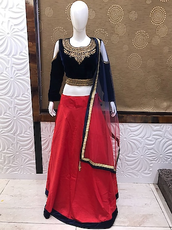 Glam Up Your Look with this latest Lehenga Choli!!!!😊😊    Rate this dress from 1- 10😍❤    DM us for Enquiry!!😊😊    Blog Site: www.fashionhousecommunity.com  Follow us for more updates @fashion_house_community  #lehengacholi #lehenga #choli #designerdress #ladieswear #ladiesfashion #womenswear #womenfashion #newcollection #newarrivals #buyonline #shopping #onlinestore #onlineshopping #trendy #trends #traditionalwear #traditionallook #instadress #instafashion #designerwear #likesforlikes #l4s  #l4l #f4f