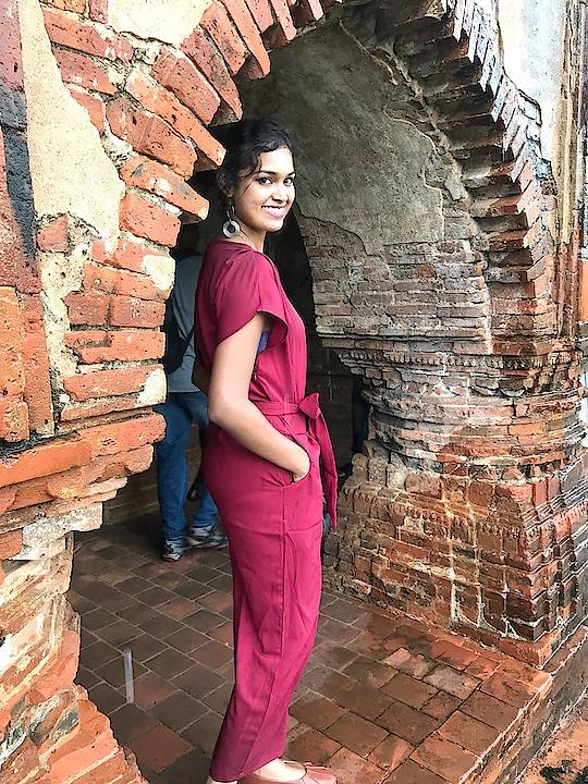 Jump suit love ❤️ #jumpsuitlook #jumpsuitstyle #love-photography #travel-diaries #eastindia #touristspot  #rasmancha #stylistdiaries #highbun #messybun #stylegoals #crazyforever #ropo-love #ropo-beauty #ropo-girl #ropo-fashion #roposogoal #ropo-feature