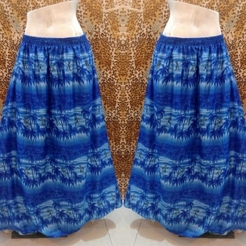 #Printed crepe #skirt with linning   free size fit upto 30 to 40 waist   price 450+ shipping free alifya180110