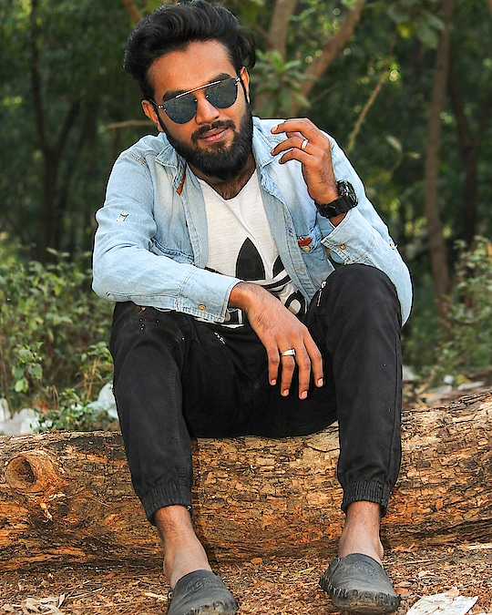 You only live once but if you do it right one is enough. P.C @abhay_asolkar  #hustle #squadgoals #fashion #beard #rayban #instagood #insta ##beardedvillains #beardsaresexy #livelife