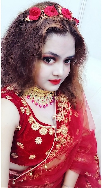 My Ashtumi look #red #lehenga #redlehenga #ootd #redroses #redlips #chokernecklace #redandgold #indianwear #indian-festival #durgapuja #durgapuja2019