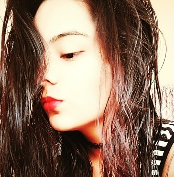 #pout  #poutylips  #poutlove  #poutperfect  #poutqueen  #wethair #wethairlook  #longhairlove  #red-hot  #redlove #redlips  #redlipcolor  #redlipstick  #redlipsticklover