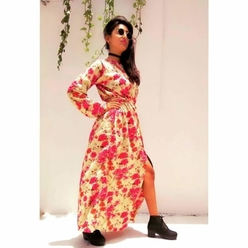 Yaay😊☺ ....so I'm here with this thigh- high slit  floral dress designed by me .  Waiting eagerly  for your reviews . your support and suggestions mean alot to me .do like, comment,share and follow. Thank you! 😊 Wardrobe courtesy: #priyankatiwari #handmadedress Instagram :  thefragranceofartistry . . . . . #thefragranceofartistry #creativity    #fragrance  #bloggersworldwide #lucknowblogger  #india