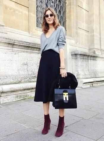 Casual....  #womensfashion #womensstyle #fashionforwomen #blog #blogger #fashionista #accessoreries #designer #luxury #lifestyle #couture #ootd #picoftheday #dress #shorts #heels #shoes #lifegoals  #bloging #instablogger #adityathaokar #maleblogger #slay #redcarpet #winterstyle #womensfashion #womensstyle #fashionforwomen #blog #blogger  #casualwear