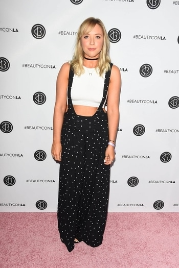 My Favorites from Beautycon Festival Los Angeles | 2017  Beautycon's Festivals are represent high-energy IRL experiences around the world for creators, traditional celebrities, brands, and fans to come together and celebrate their common interests – beauty, fashion, style, and staying true to yourself.  https://zainabtravadi.blogspot.in/2017/08/my-favorites-from-beautycon-festival.html  #AdrianaLima #AmandaSteele #AlishaMarie #debbyryan #Devoreledridge #IngridNilsen #JasmineSanders #SimoneMiles #Zendaya #beautycon #losangeles #festival #beautyconfestival #la #youtubers #influencers #pinkcarpet #redacarpetfashion #fashion #style #indianblogger
