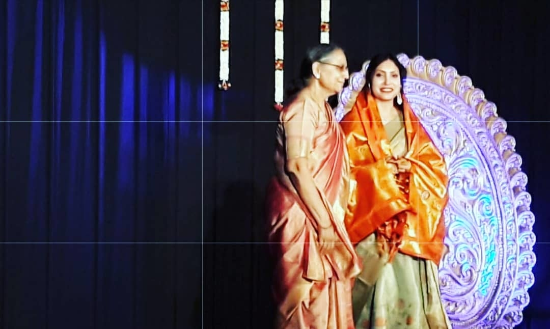 always a privilege when another state call you for art. #tamilnadu #bharathnatyam #guestofhonour #brandsudha #saree #mallipoo #stage #classical #fashionita #fashionista #roposo #roposocelebrity