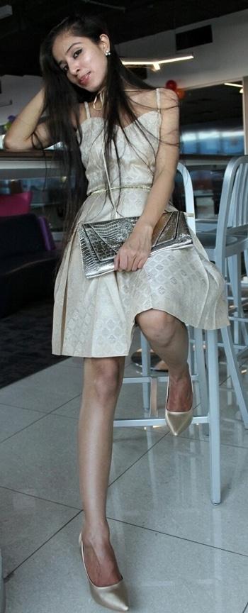 #fashionforecast2017 #claymango @claymango4 #chokernecklace #golddress #metallic #metallicshoes #goldshoes #partyoutfit #newyearlook #koovs #roposodaily #soroposolove #ropo-good #soroposogirl #bloggerdiaries #styledbyme #stylingtips #stylist