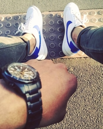 White Nike that goes with every outfit.  . . . . . #menwithstreetstyle     #menwithfashion  #nike  #adidas  #threestripes  #shoes  #sneakers  #flyknit  #ultraboost  #yeezy  #sneakernews   #kicksonfire  #highsnobiety  #nmd #todayskicks  #kicksoftheday   #sneakerholics   #menwithclass #sneakersid  #hypebeast  #kickstagram  #sneakerhead  #solecollector  #sneakersaddict  #sneakerwatch  #menwithstyle