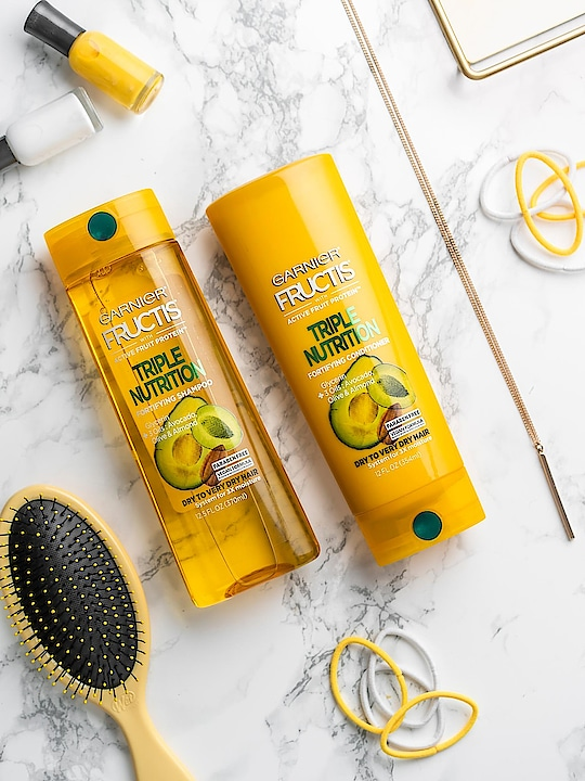 Talk about #couplegoals 😍! This duo is our go-to to replenish and nourish very dry hair. Comment 💛 if #Fructis Triple Nutrition is your favorite too! #haircare #hair #healthyhair #weekendvibes