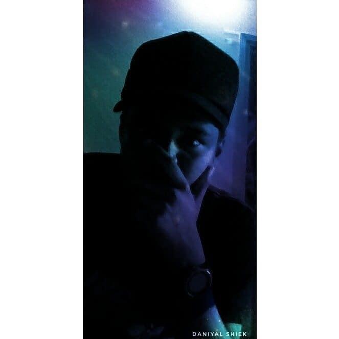 """ when nothing goes right  go left "" insta: daniyalshiek musically~daniyalshiek  #roposo #top #trends #galaxy #edit #daniyalshiek #followme #like4like #colours #live #love #topped  #tops #tops #tops #tops"
