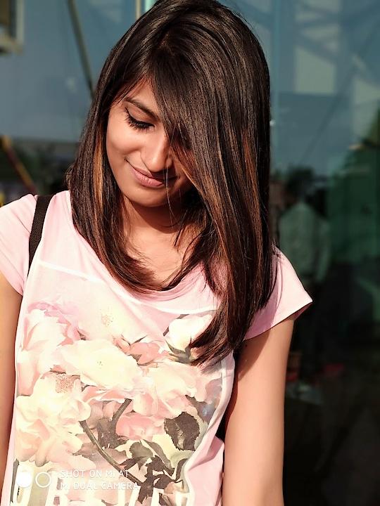 #smile #randomclick #alinecut 😍😍