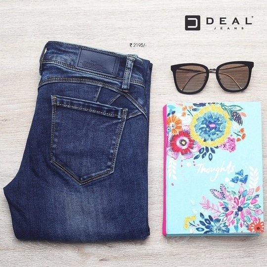 A pair of basics to begin your weekend! #DealJeans
