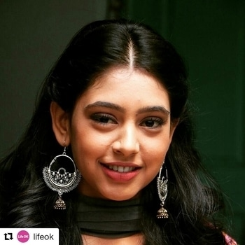 #Repost @lifeok with @repostapp ・・・ A sweet innocent girl or a daring woman who has completely taken us aback! Which side of Shivani do you adore?  #Ghulaam#Shivani #Innocence #Lovely #Pretty #Cute #Guns #Violence #Justice #Fights #EveryonesFavorite #Daring #Strong #Berahampur #Village #Outlaw #Illegal #Emotions #Daring #Surprise #Shock #Stunned #GunsNRoses #LoveKillsSlowly #Pyaar #NitiTaylor