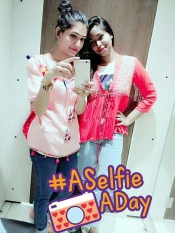 #aselfieaday